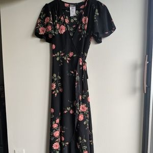 rue21 Never worn-tagson XS Black floral wrap dress